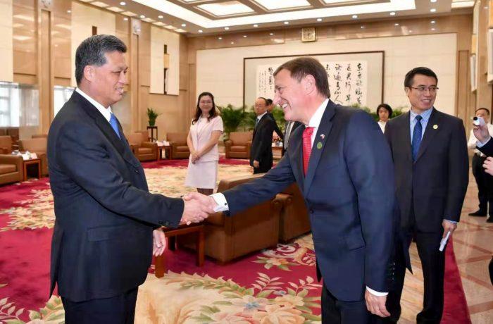 Mendoza en China 2019 Ma Xingrui recibe a Rodolfo Suarez.jpg